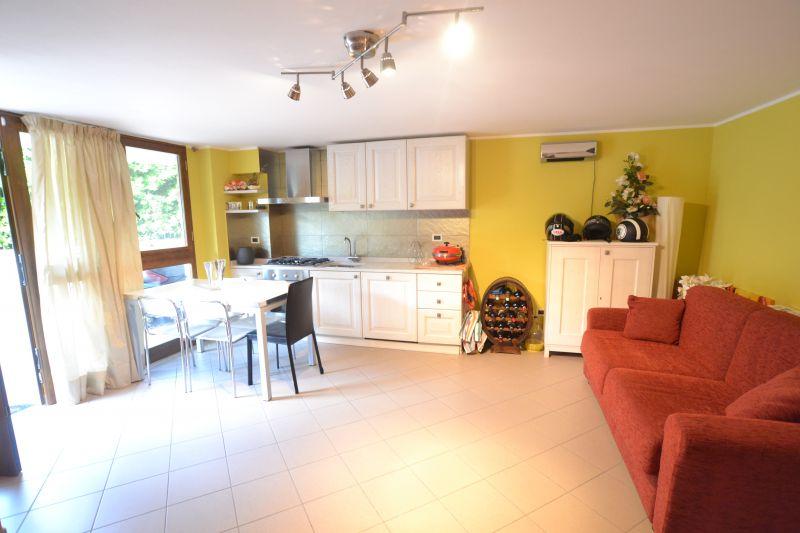 Vendita appartamento indipendente altopascio lu for Piani di garage gratuiti con lista dei materiali